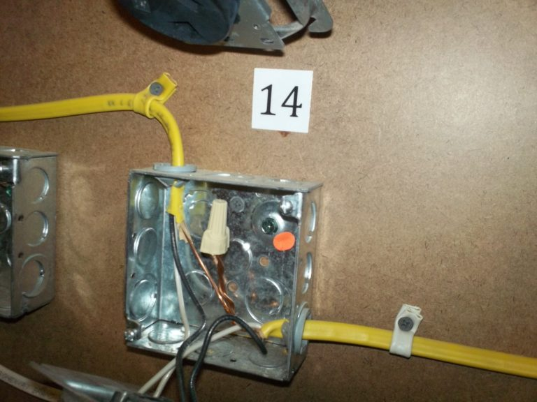 AFCI junction box